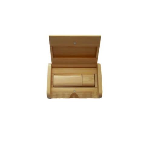 Drewniane pudełko na pendriva