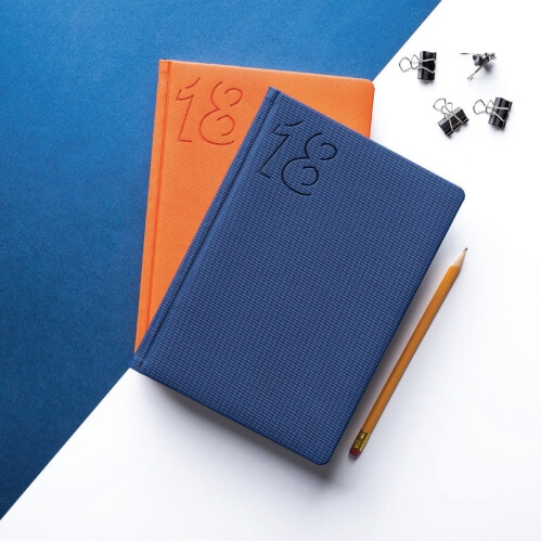 kalendarze książkowe z tłoczonym logo firmy