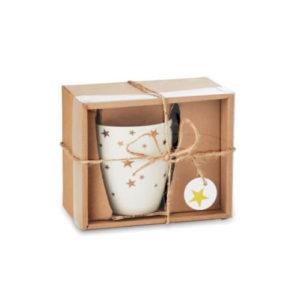 Ceramiczny kubek ze złotym wzorem