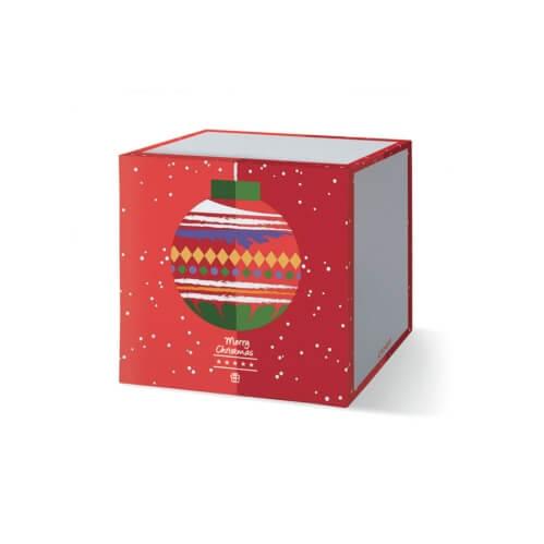 Kubek ze wzorem świątecznej bombki