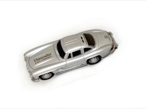 Pendrivy w kształcie auta z logo