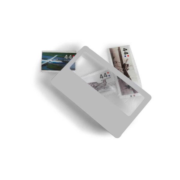 Lupa wielkości karty kredytowej