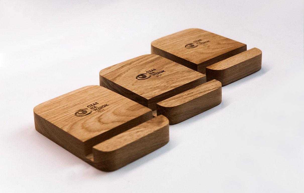 Podstawki drewniane z logo