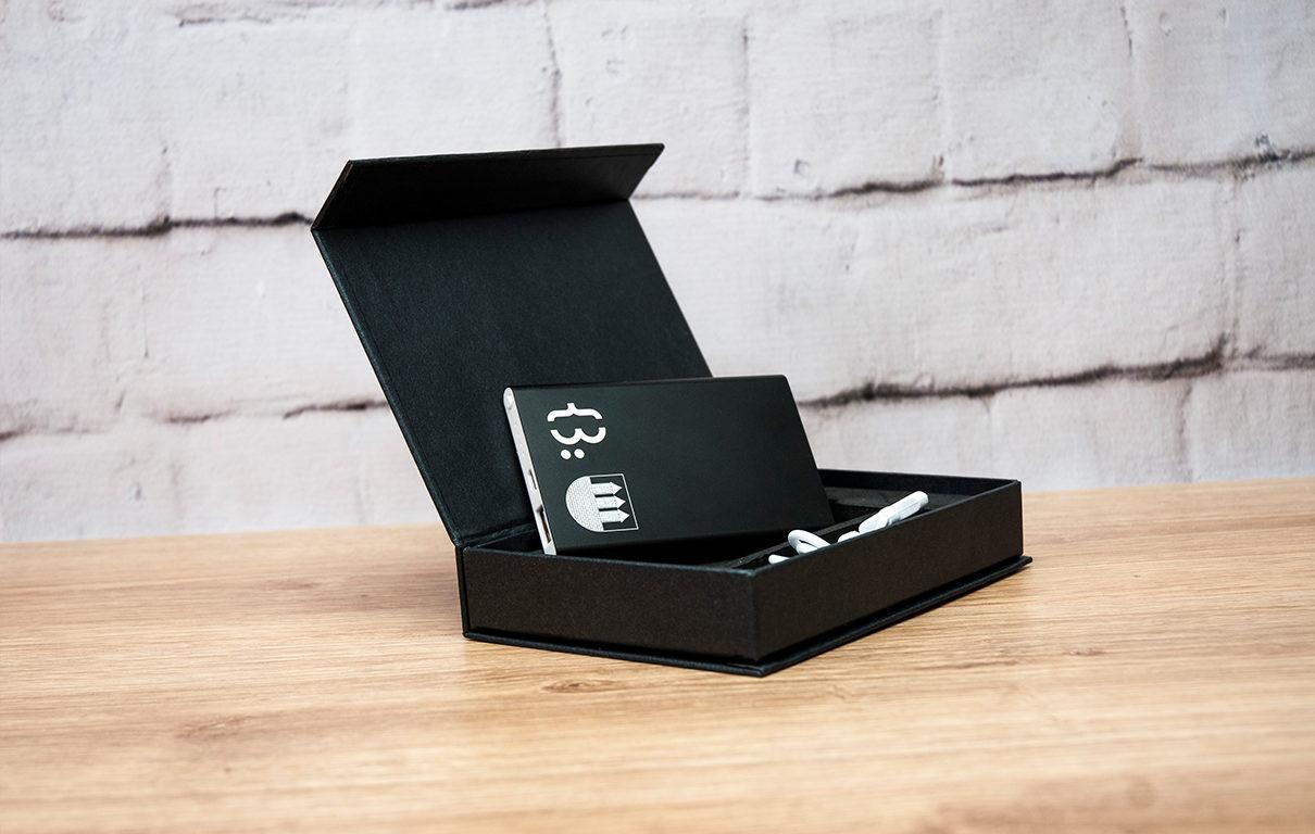 Powerbank z grawerem w pudełku